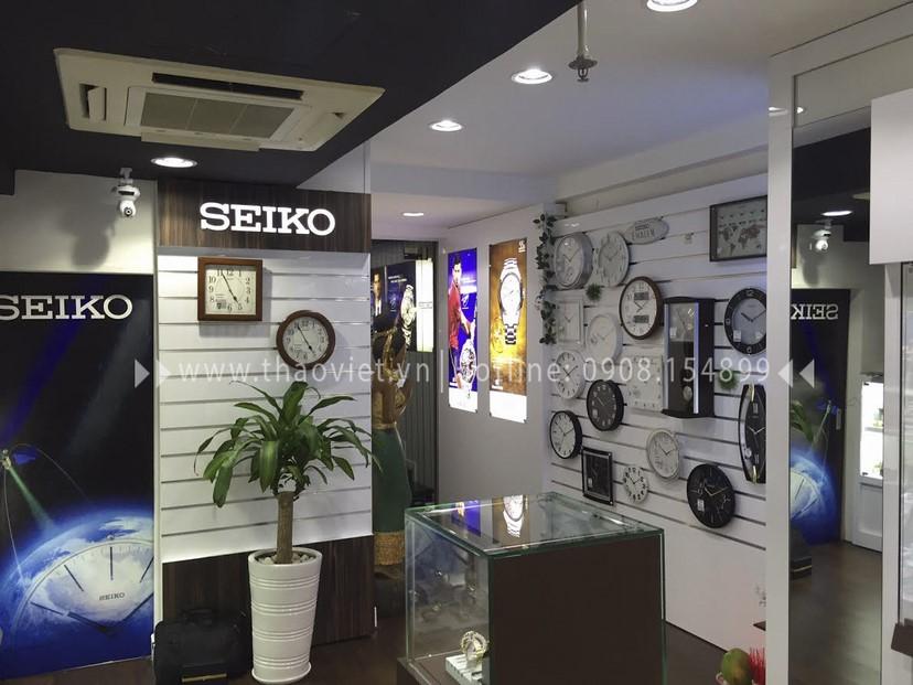 Thi công nội thất shop đồng hồ Seiko 4