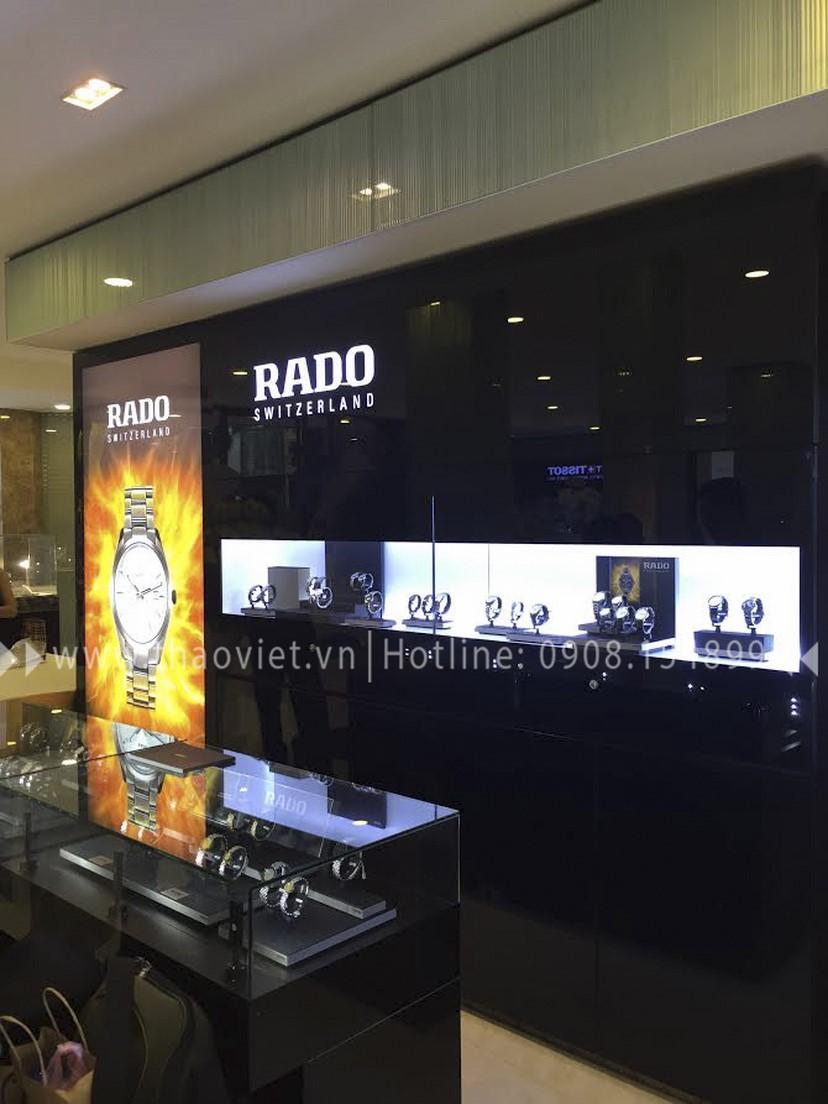 thiết kế shop đồng hồ Rado Corner 6