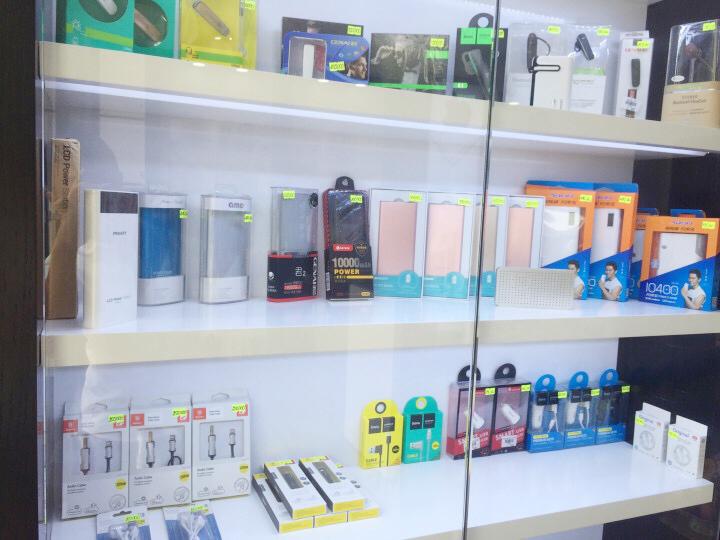 Thi công nội thất shop điện thoại Lâm Mobile 6