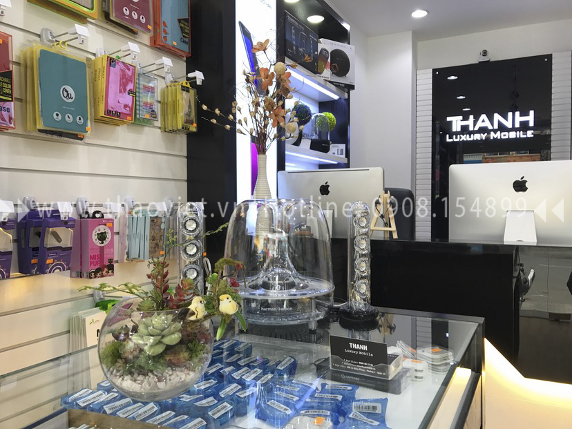 thực tế shop Thanh Luxury Mobile 9
