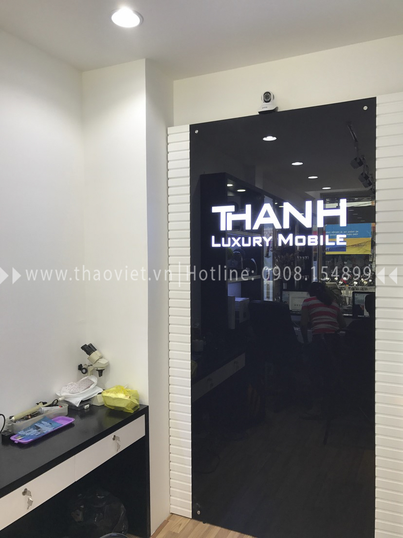 thực tế shop Thanh Luxury Mobile 3