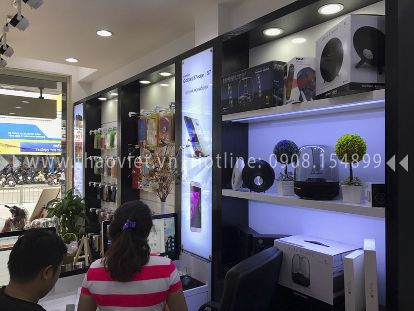 thực tế shop Thanh Luxury Mobile 11
