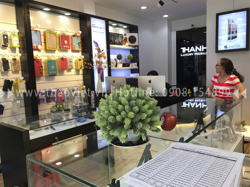 thực tế shop Thanh Luxury Mobile 12
