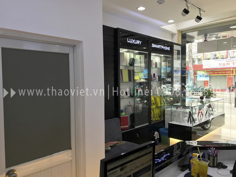 thực tế shop Thanh Luxury Mobile 14