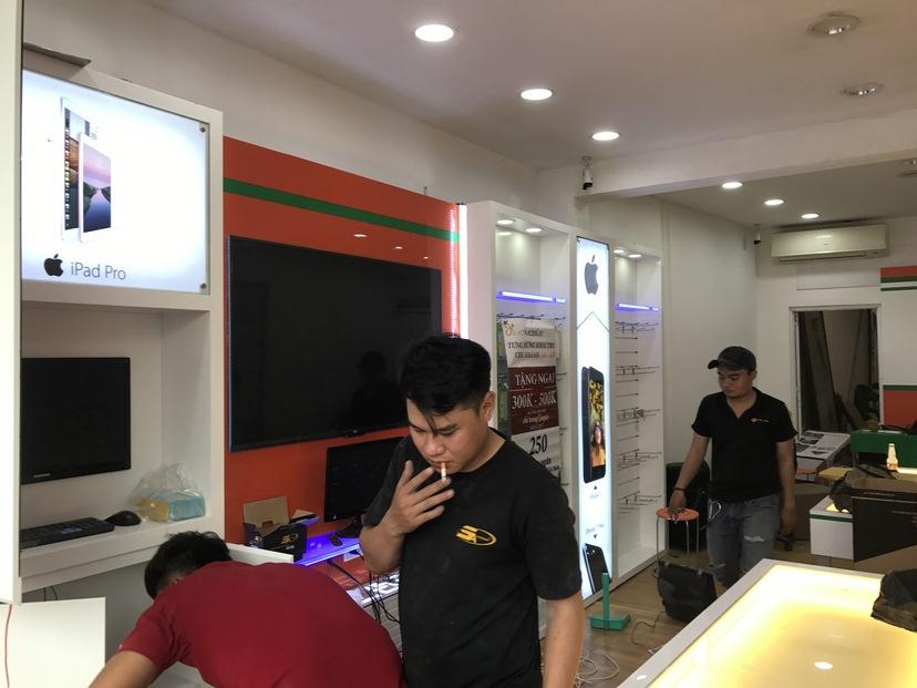 thi công nội thất shop XT Mobile TĐ 2